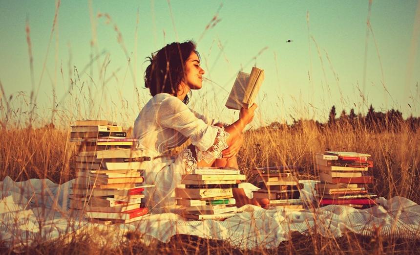 ДЕНЬ КНИГОЛЮБОВ: читают все!